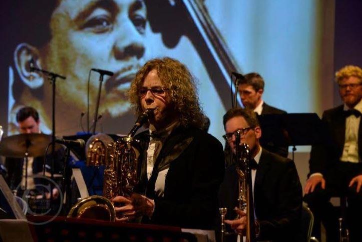 Saxophonist Miriam Kaul on stage