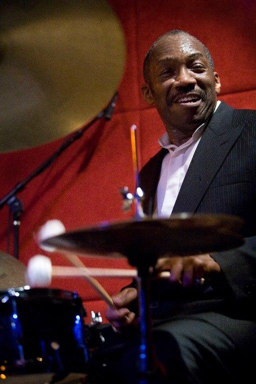 Alvin Queen behind his drums
